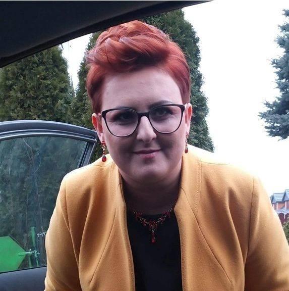 Aneta Pielas-Kucharczyk prowadzi firmę świadczącą usługi...
