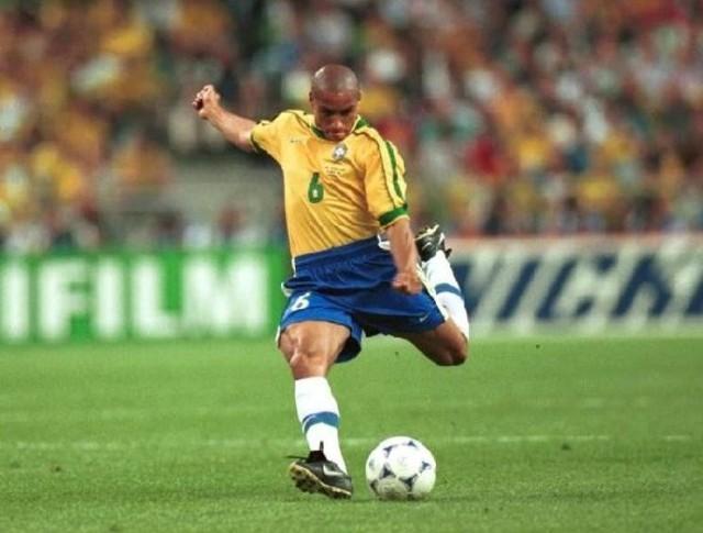 Roberto Carlos - 3 triumfy w Lidze Mistrzów (Real Madryt 1997/98, 1999/00, 2001/02)