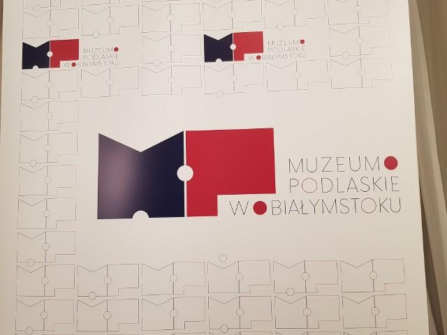 We czwartek w głównej siedzibie Muzeum Podlaskiego w Białymstoku został zaprezentowany nowy logotyp muzeum. W konferencji z tej okazji uczestniczyli między innymi: marszałek Artur Kosicki, dyrektor muzeum Waldemar Wilczewski oraz autorka projektu logo - Ewa Zalewska.