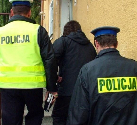 Rabuś w rękach policjantów. Jak się okazało, działał z chęci zemsty na byłym pracodawcy.