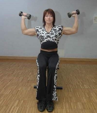 Mistrzynią w dbaniu o swoje ciało jest...mistrzyni świata w kulturystyce gorzowianka Halina Kunicka. Też jednak zapracowana. Dlatego nie udało nam się z nią porozmawiać. - Właśnie zaczynam zajęcia - tłumaczyła.