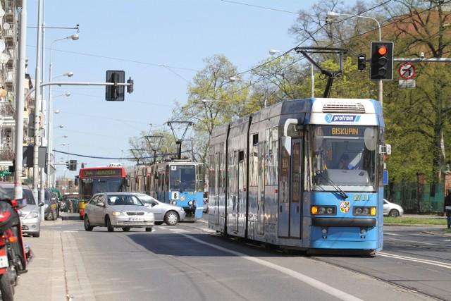 W wakacje 2015 tramwaje pojadą we Wrocławiu częściej niż w poprzednich latach. To między innymi efekt zgłoszeń naszych Czytelników