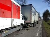Knorydy. Zderzenie ciężarówek i osobówki na DK 19. Policja: doszło do kolizji