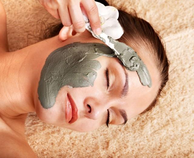 Maść borowinowa jest szeroko wykorzystywana zarówno w kosmetyce, jak i w medycynie alternatywnej.
