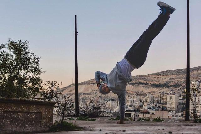 """Szósty dzień na Malcie można rozpocząć choćby od warsztatów breakdance pod tytułem """"Space of Expression"""". Poprowadzi je grupa tancerzy Stereo 48, dla których ten hip hopowy styl tańca jest najlepszym """"sposobem na odzyskanie wolności ruchu""""."""