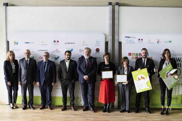ECO-MIASTO 2018 - nagrodzeni i wyróżnieni w kategorii gospodarka o obiegu zamkniętym, wśród nich przedstawiciel Gdyni