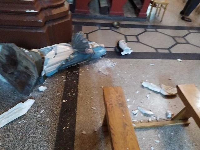 We wtorek po południu, w trakcie nabożeństwa w kościele salezjanów w Przemyślu, do kościoła wszedł młody człowiek, który zrzucił na podłogę figurę anioła z kropielnicą.