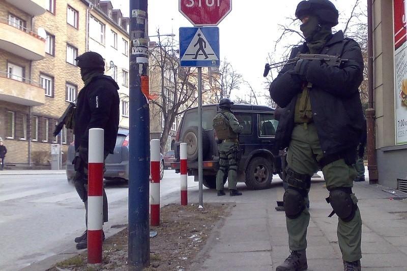 22 lutego tego roku funkcjonariusze Centralnego Biura Śledczego i Komendy Wojewódzkiej Policji przy wsparciu opolskiego oddziału antyterrorystycznego zatrzymani trzech mężczyzn, podejrzewanych o udział w handlu narkotykami na dużą skalę.