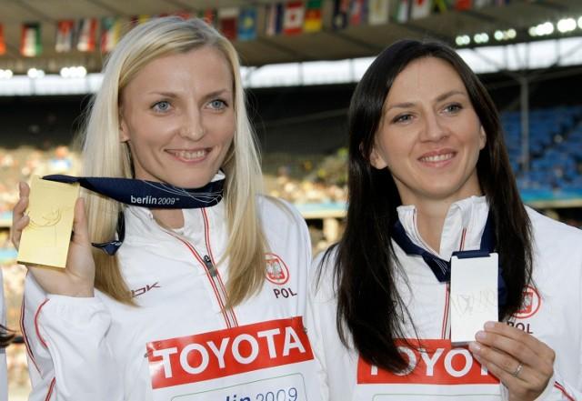 Pyrek-Rokita (z prawej) to była wicemistrzyni świata w skoku o tyczce