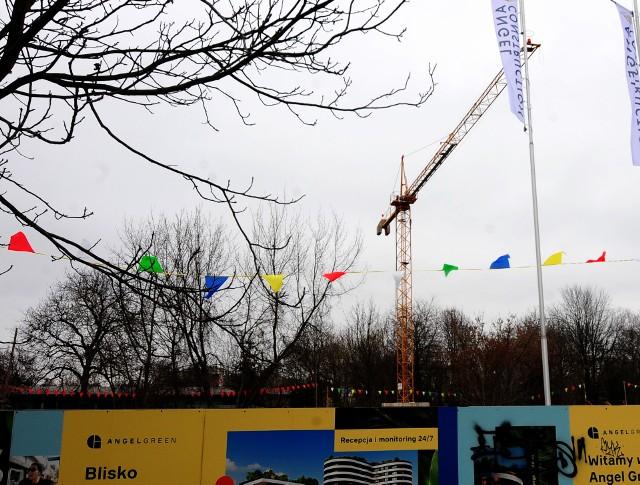 Dźwig nie został usunięty z rejonu Szpitala Narutowicza w Krakowie