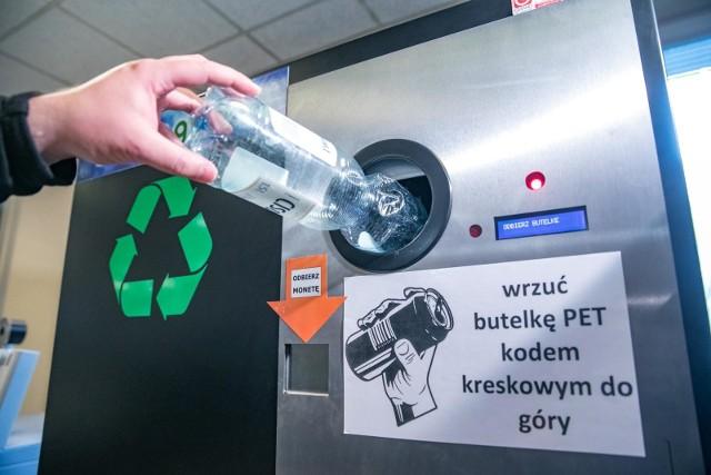 Takie butelkomaty działają już w Krakowie.