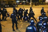 Granaty, pałki i gumowe kule przeciwko obywatelom Białorusi