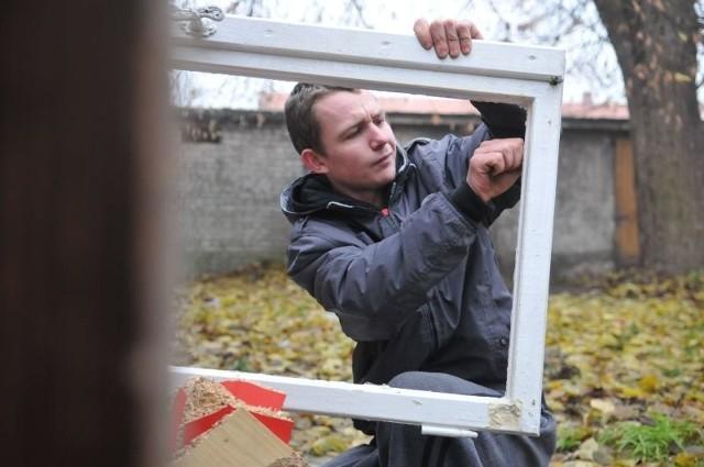 Adam Gonczarenko mieszka w Sulechowie. Na razie chce się zarejestrować w pośredniaku i skończyć kurs operatora wózków widłowych. - Wtedy może znajdę pracę - dodaje.