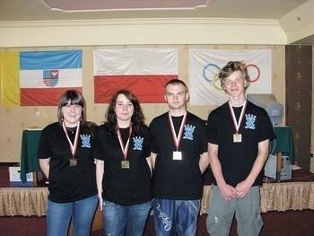 Justyna Żmuda, Agnieszka Szczypczyk, Adam Krysa i Artur Janeczko wrócili z medalami Fot. Archiwum