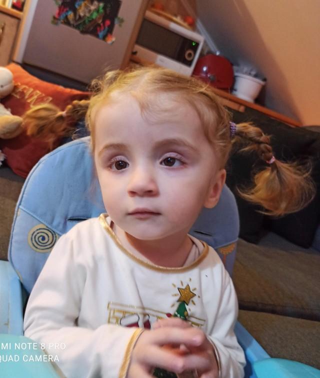 Dziewczynka jest pacjentką Kliniki Onkohematologii Dziecięcej w Rzeszowie oraz Kliniki Przylądek Nadziei we Wrocławiu. Dwa lata temu przeszła przeszczep szpiku