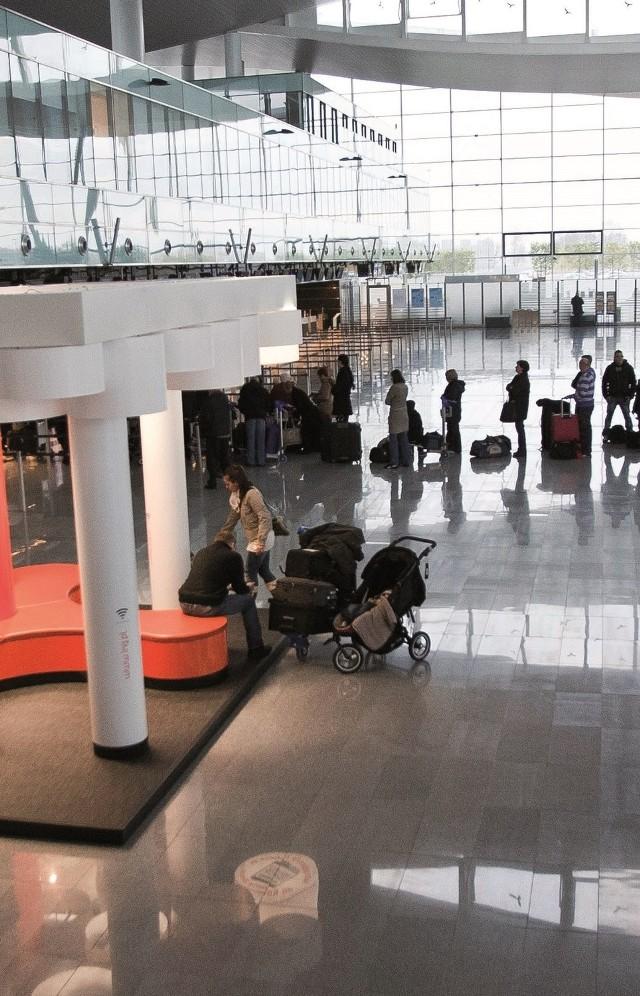 Wrocław. Lotnisko codziennie obsługuje setki pasażerów z dziećmi. Pracownicy są w tym zakresie szkoleni, ale konflikty się zdarzają