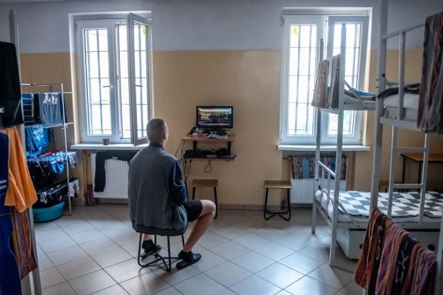 Więzienie czy hotel? Więzienne cele w Polsce i regionie