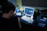 Hakerzy atakują coraz mocniej, a co dwudziesta osoba wciąż otwiera podejrzane e-maile