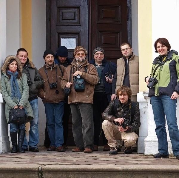 Członkowie kółka w ramach sobotniego pleneru udokumentowali zbiory związane z postacią Adolfa Dygasińskiego zgromadzone w ośrodku w Chrobrzu.