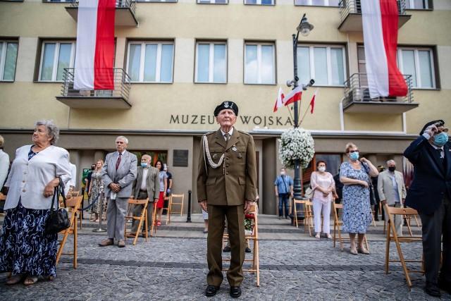 Mija 76 lat od wybuchu Powstania Warszawskiego. Władze i mieszkańcy Białegostoku oddali hołd bohaterom.