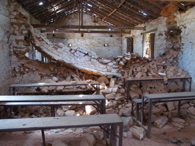 Szkoła w Bakrang-6 została całkowicie zniszczona