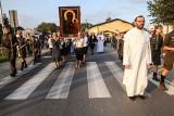 Kopia obrazu Matki Boskiej Częstochowskiej w Lusówku pod Poznaniem. Witał ją tłum wiernych. Zobacz zdjęcia