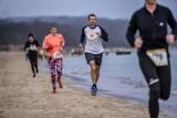 Plażowa Piątka - propozycja dla biegaczy na lato 2020. Inauguracja na plaży Stogi w niedzielę, 28 czerwca 2020 roku