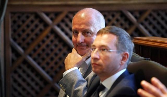 Prezydent Wrocławia Rafał Dutkiewicz (z lewej) czeka na rekomendację mecenasa Jacka Masioty.