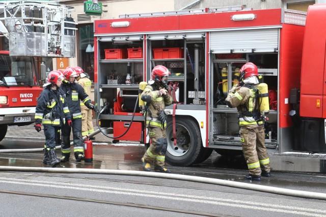 W centrum Kielc doszło do pożaru kamienicy (zdjęcie archiwalne)