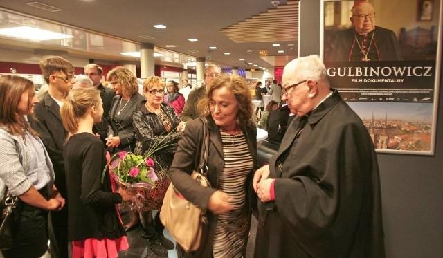 Jolanta Krysowata (na zdjęciu z kardynałem Gulbinowiczem)