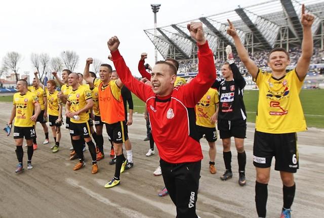 Resovia wygrywa derby RzeszowaStal Rzeszów w meczu derbowym uległa Resovii 0:1.