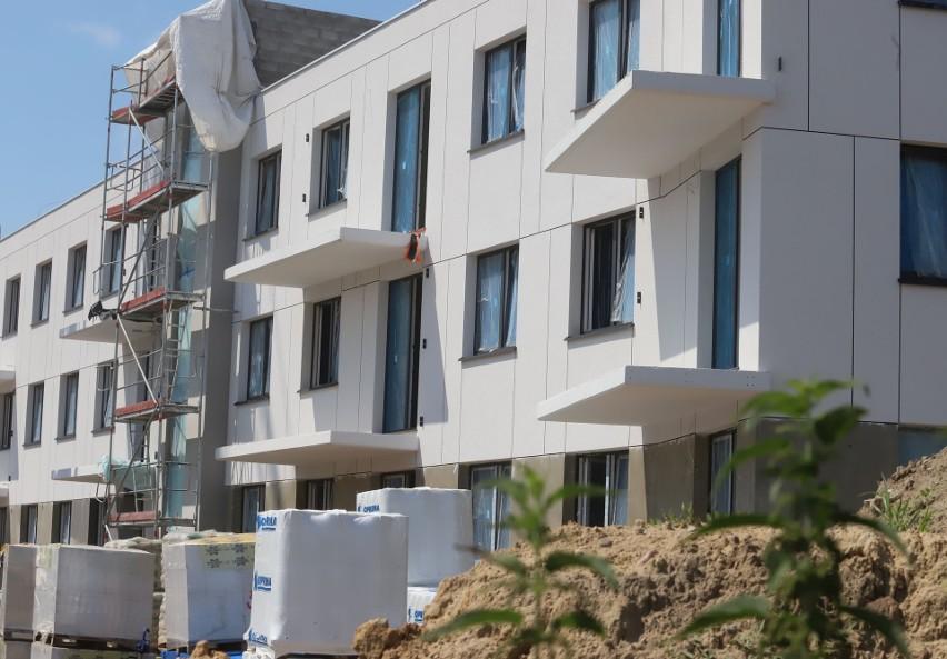 """Trwa budowa miniosiedla """"Apartamenty przy Bulwarach"""" na..."""