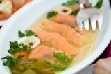 Potrawy wigilijne: Jaka ryba na Wigilię zamiast karpia? Zobacz przepisy z rybą na świąteczny stół