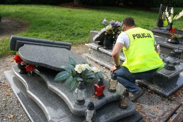 Policja stwierdziła dewastację cmentarza