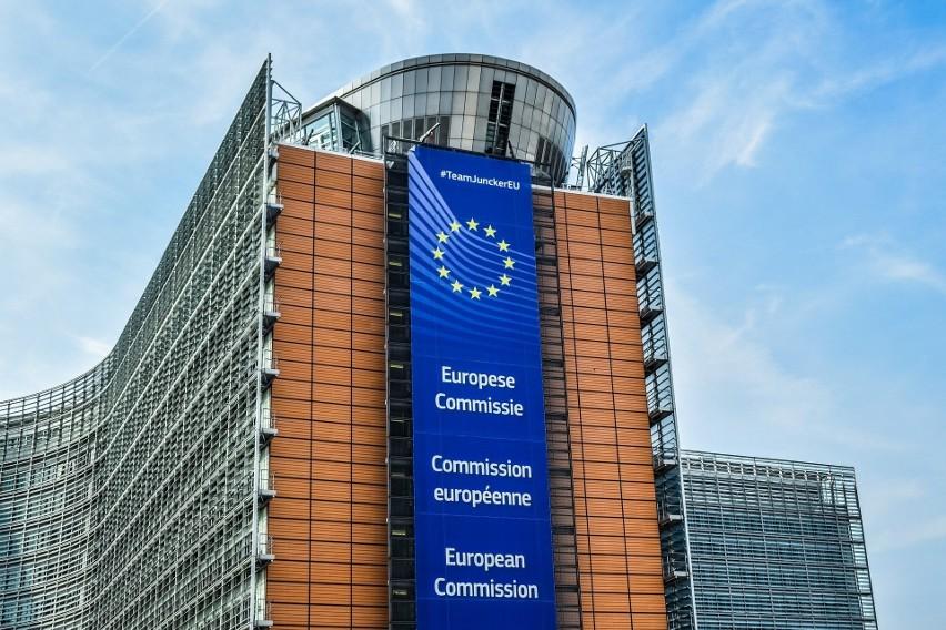 Komisja Europejska: Jest zgoda na szczepienia przeciwko...