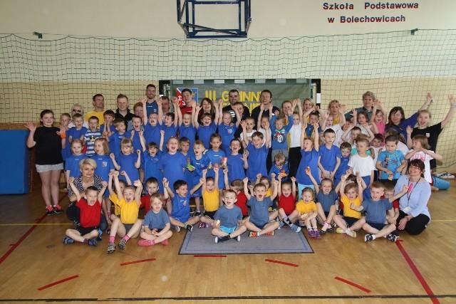 - W turnieju Przedszkolaka - Bolechowice 2016 wzięło udział około 75 dzieci z całej gminy Sitkówka - Nowiny. Gośćmi honorowymi byli trenerzy i siatkarze Efektora Kielce.