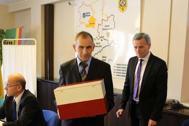 Radni trzykrotnie głosowali i trzy razy koalicja wygrywała 9 do 8.