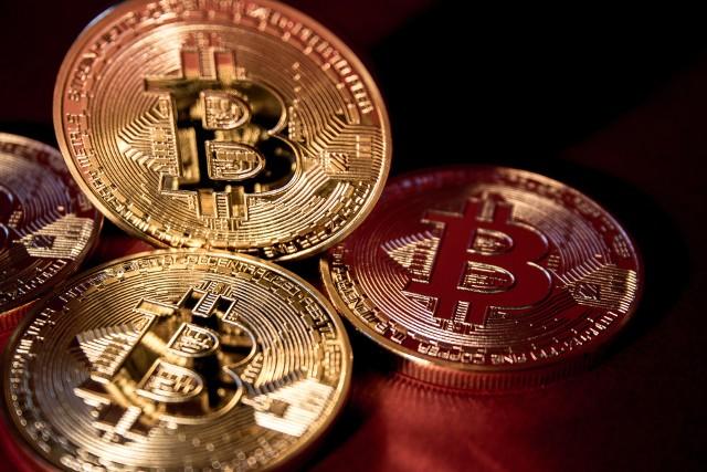 W Polsce sytuacja jest jasna – jest Bitcoin i długo, długo nic. Monety BTC nabyło 85 proc. respondentów posiadających jakiekolwiek kryptowaluty.