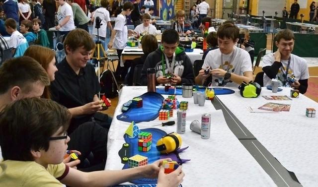 Mistrzostwa w układaniu kostki Rubika