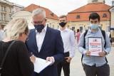 Działacze PO wznawiają zbiórkę podpisów w sprawie likwidacji TVP Info oraz abonamentu RTV (zdjęcia)
