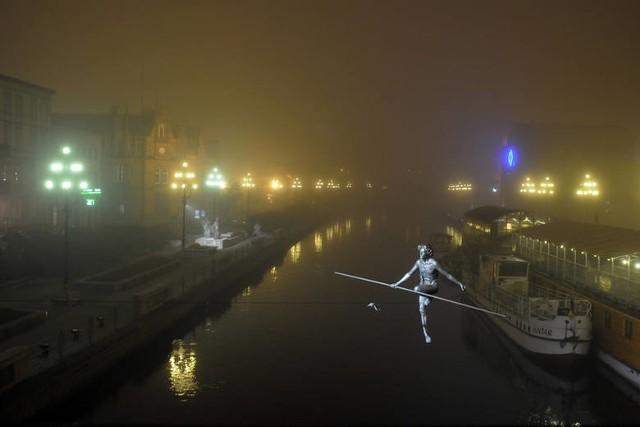 Dziś w noc sylwestrową mgły na terenie całego województwa