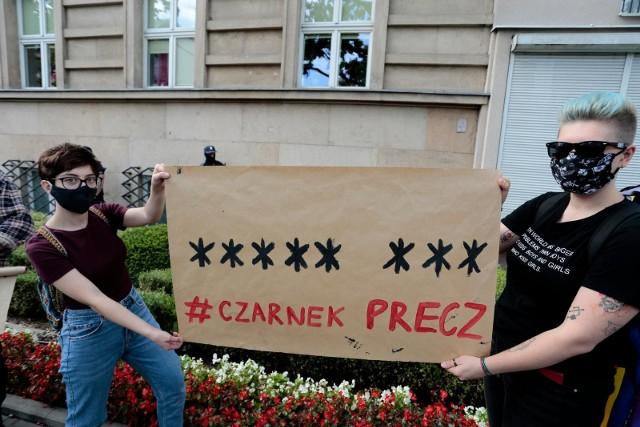 W październiku uczniowie protestowali w Warszawie pod budynkiem Ministerstwa Edukacji Narodowej. Domagali się dymisji Przemysława Czarnka.