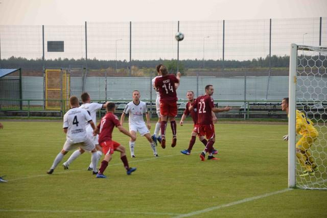 Naszym rankingiem 5. kolejki BS Leśnica 4. ligi ostatecznie już nadrabiamy zaległości w tej zabawie. Postanowiliśmy bowiem poczekać na trzy mecze, które przełożono z 15 sierpnia na inne terminy, jak się okazało niebawem, trzy różne. Niemniej wszystkie ze względu na zagrożenie epidemiczne.