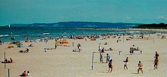 Żeby zobaczyć, co w danej chwili jest na plaży w Świnoujściu, jaka pogoda wystarczy wejść na stronę www.gs24.pl/plaza. Niektórzy nawet umawiają się ze znajomymi, którzy są w domu na konkretną godzinę. Jedni wchodzą na stronę, a drudzy machają im ze świnoujskiej plaży.
