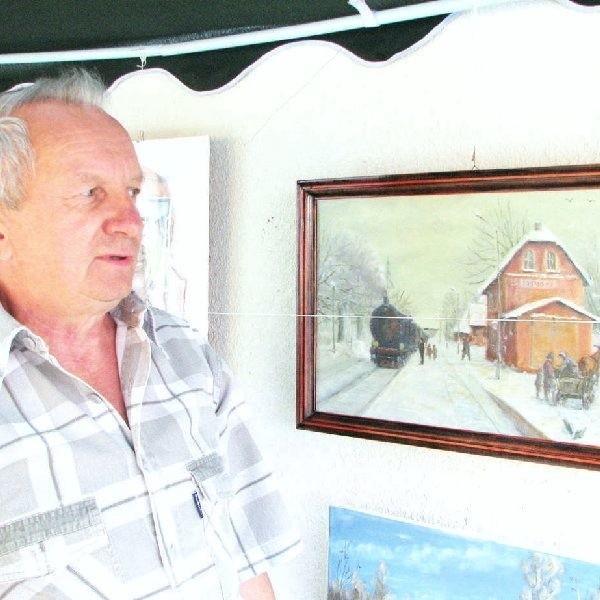 Jerzy Węsek z widokiem na stację