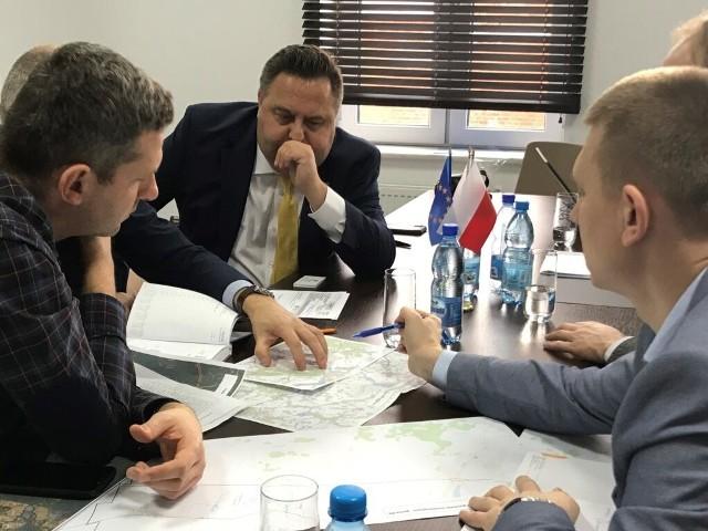 Polska Spółka Gazownictwa dostarczyła gaz ziemny do pierwszego odbiorcy w Siedliskach, co pozwoliło dołączyć Gminie Ełk do grona 61 gmin zgazyfikowanych na terenie województwa warmińsko-mazurskiego.