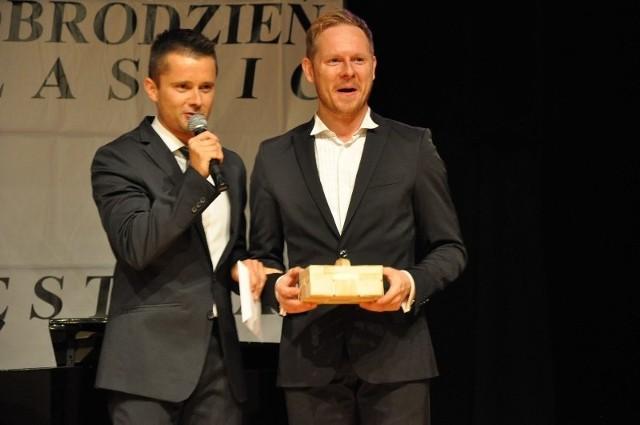 Piotr Lempa (z prawej) zaśpiewa, a Tomasz Podsiadły poprowadzi koncert.