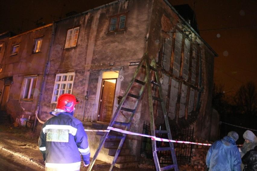 Runęła ściana budynku w Słupsku. Mieszkańcy ewakuowani