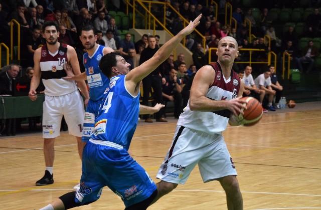 Derby Inowrocławia w koszykówce. KSK Noteć Inowrocław - Domino Inowrocław 107 do 81