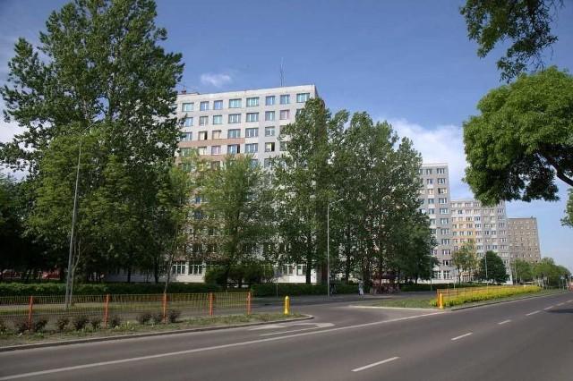Akademiki Politechniki Białostockiej położone są na terenie kampusu uczelni przy ul. Wiejskiej, niemal w centrum Białegostoku